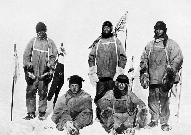 1024px-Scott's_party_at_the_South_Pole_resize