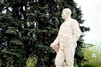 פסלו של סטלין ב-Gori