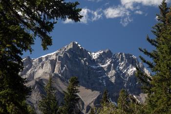 הר קסקד, הרי הרוקי באזור באנף