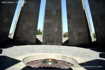 אתר ההנצחה לקרבנות הטבח בירוון