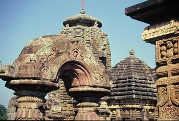 מקדשים בבובנשוואר, פורי