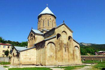 כנסיית העמוד התלוי במצחתה