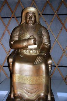 פסלו של ג'ינגיס ח'אן