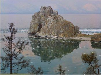 סלע השאמנים באי אולחון, ימת בייקל