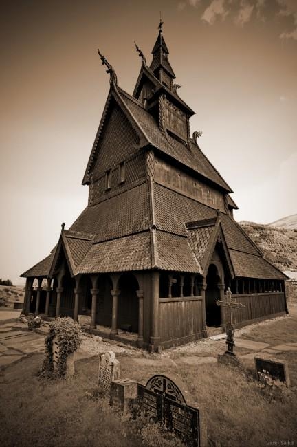 מתוך האתר תמונות לסלון - טיול לנורווגיה - כנסיית לווחים