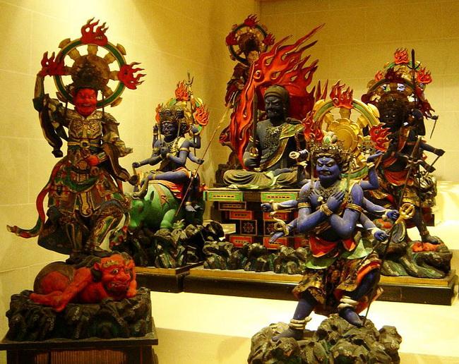 פסלים מיפן. באדיבות ויקיפדיה