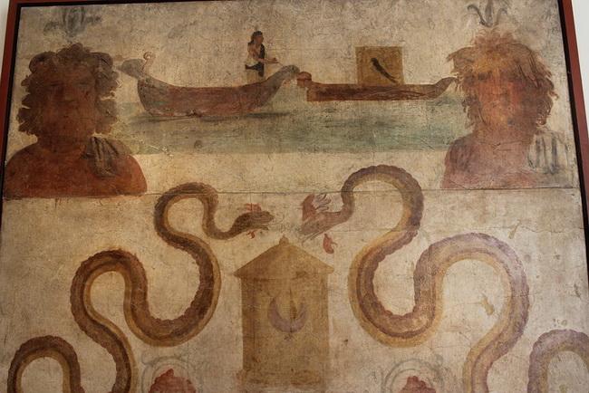 פרסקו המתאר את איזיס נפוליס, המוזיאון הארכיאולוגי של נפולי.