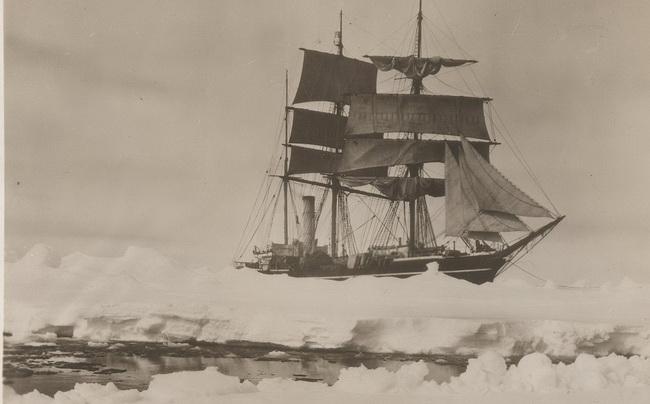 Herbert_Ponting_Scott's_ship_Terra_Nova_1910_resize