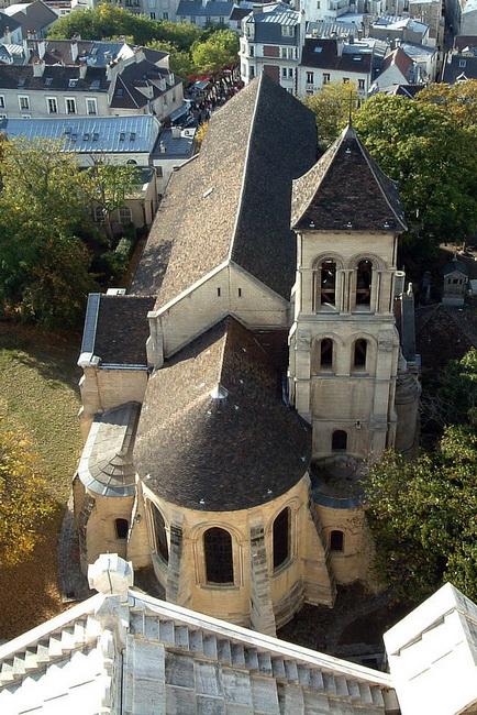 הכנסיה במונמרט
