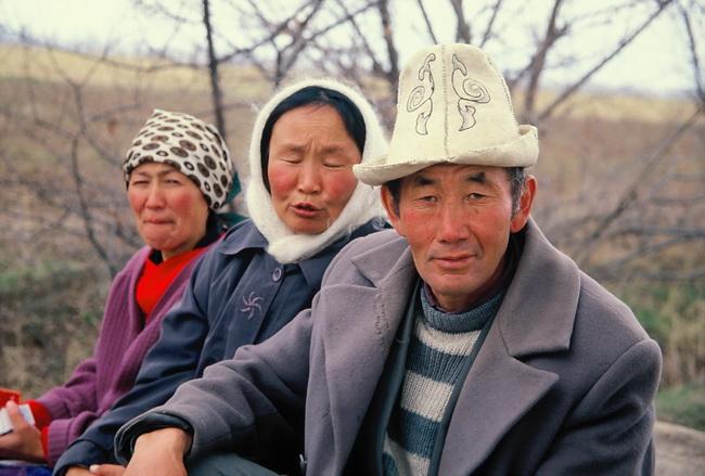 טיול לקירגיזסטן - נוודים קירגיזיים. צילום: גילי חסקין, ספטמבר 2000