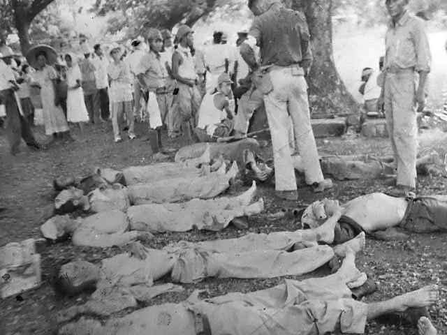 חיילים מתים במחנה שבויים. באדיבות Wikipedia