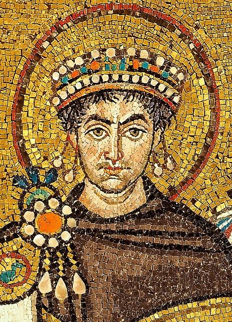 פסיפס של הקיסר יוסטיניאנוס, בכנסיית סאן ויטלה ברוונה.