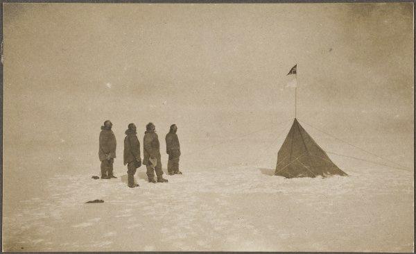 אמונדסן בקוטב הדרומי