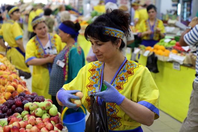 השוק של נובוסיבירסק- צילום: גילי חסקין