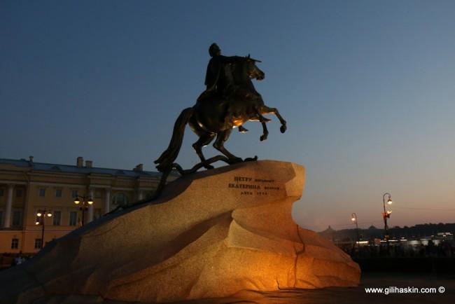 פרש הברונזה-פסלו המונומנטלי של פטר הגדול. צילום: גילי חסקין; יוני 2016