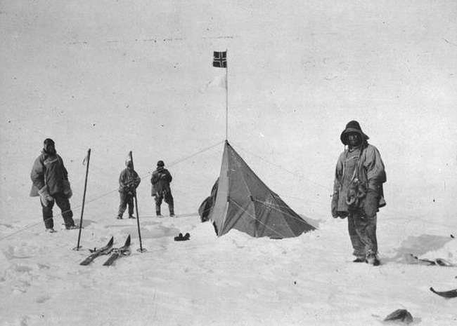 Robert_F__Scott_at_Polheim-amundsen base, at the South Pole.Photo Lawrence Oates_resize