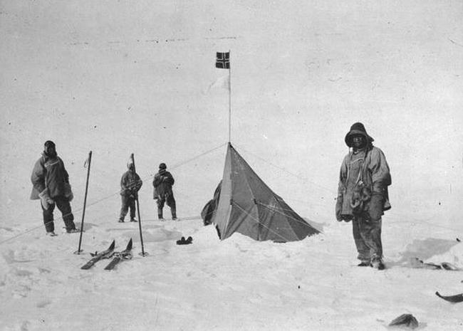 Robert_F__Scott_at_Polheim-amundsen base, at the South Pole.Photo Lawrence Oates_resize