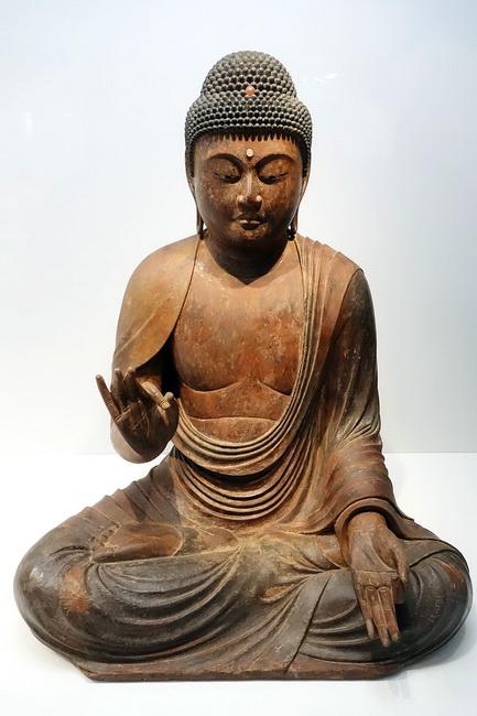 פסל של אמיטבהא, תקופת קאמאקורה, מאות 12-13, יפן. המוזיאון הלאומי בטוקיו