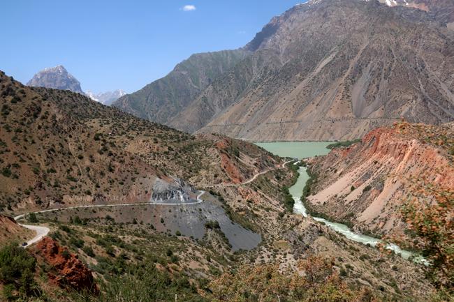 טיול לטג'יקיסטן- אגם אסכנדר