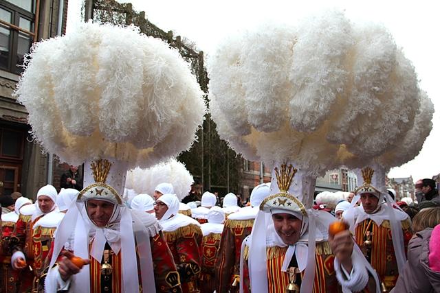 תהלוכות המארדיגראס בבינץ', בלגיה. באדיבות Wikipedia