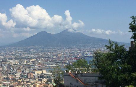 טיול ספרותי בנאפולי ובאיסקיה