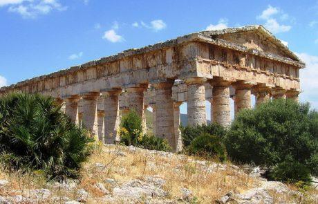 המקדש היווני